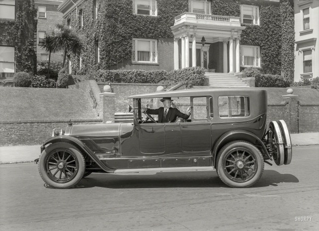Bonus! 2505 Divisadero appears in this 1920 photo - posted by one of my favorite sites, Shorpy - the home of the HD historical photos.