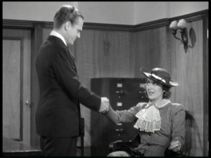 Ann holds her own with James Cagney in 'G' Men.