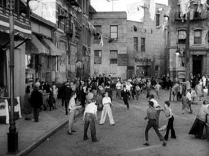 Sidewalks of New York_042