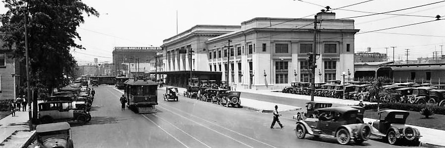 exterior_view_of_the_southern_pacific_depot_on_central_avenue_ca1924_detail_2-2.jpg