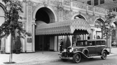 Beverly_Wilshire_Hotel_Entrance_ca1929