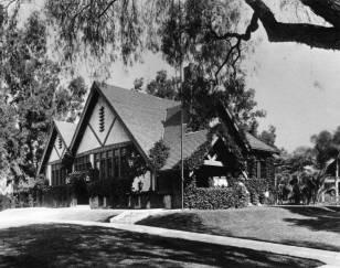 Original_Hollywood_Branch_library